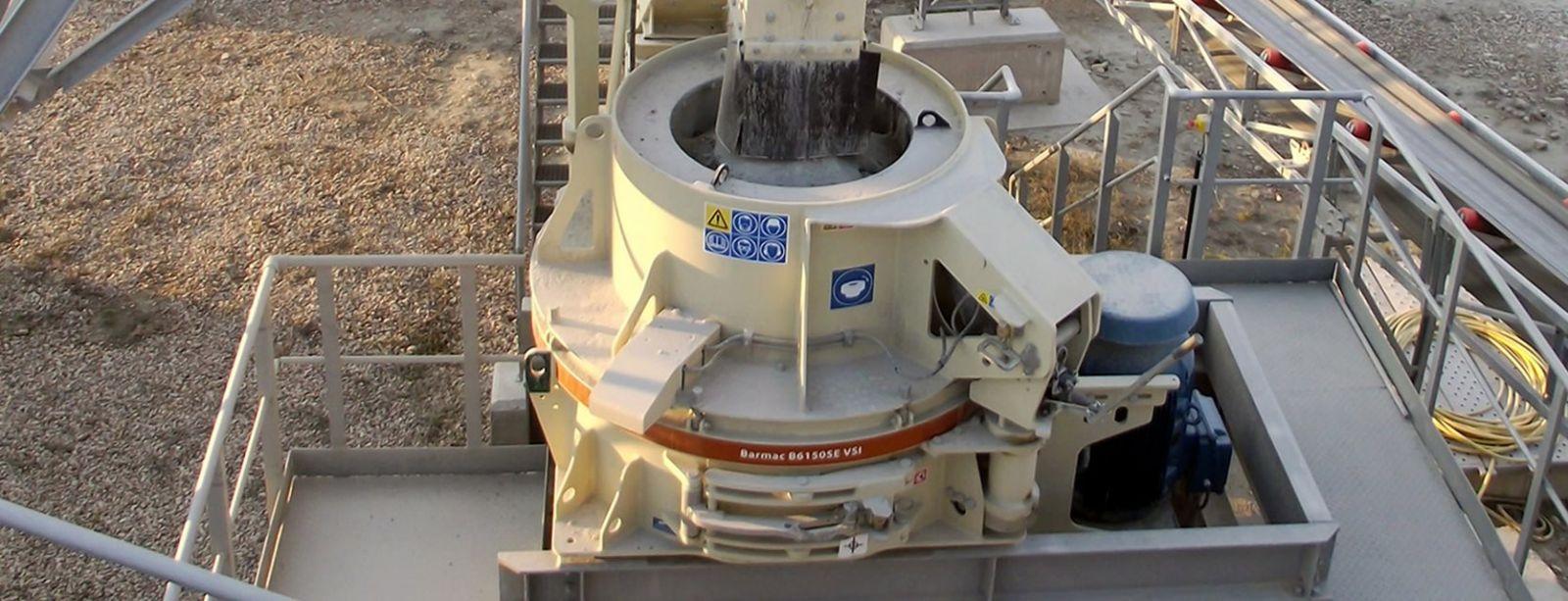 máy nghiền cát nhân tạo Barmac VSI 6150 tại mỏ cát nghiền